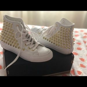 Beautiful white Converse with Gold spikes